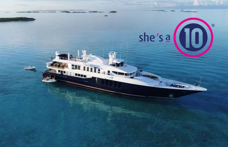 Yacht SHE'S A 10