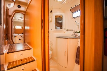 CALYPSO Guest Bath and Hall