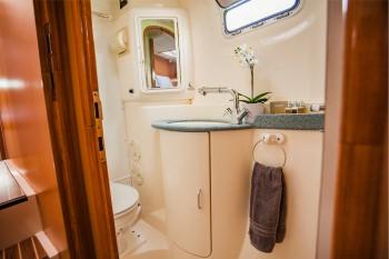 CALYPSO Guest Bath