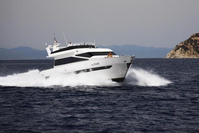 Yacht PAPIS