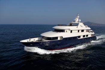 Yacht SERENITY II 2