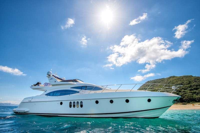 Yacht MANU