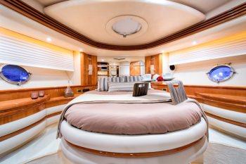MANU VIP cabin