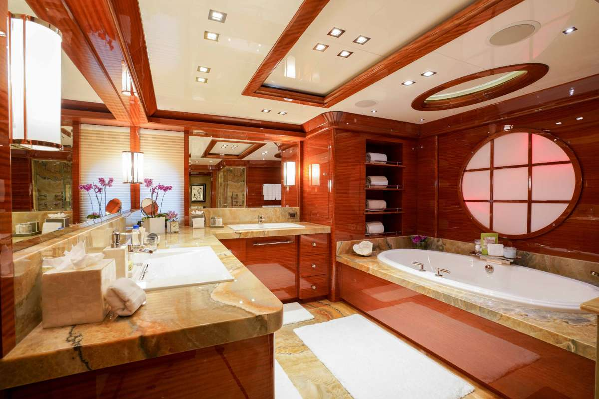 ASPEN ALTERNATIVE Master Bath