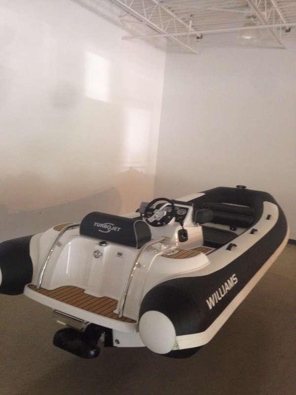 Yacht COLUMBIA - 12