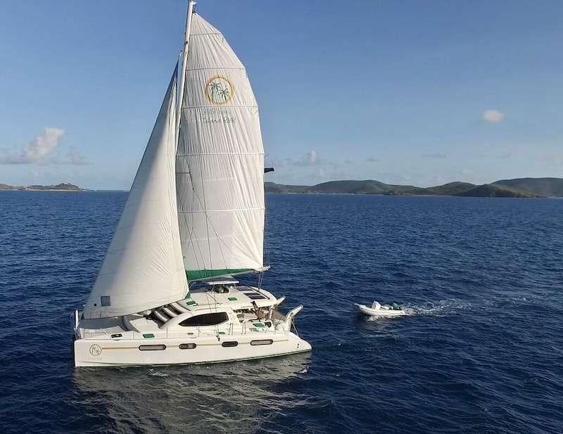 Catamaran ISLAND R&R