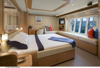 CRYSTAL PARROT Master Stateroom