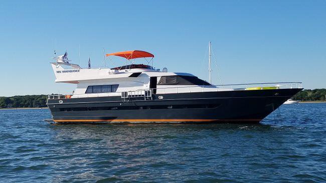 Yacht M.I.S. MOONDANCE