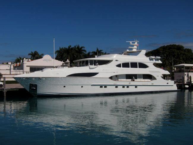 Yacht NO BADA BEES