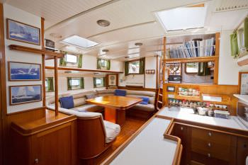 Yacht CORO CORO 2