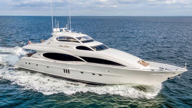 Yacht CEDAR ISLAND
