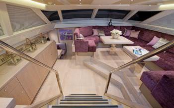 Yacht LUSH 2