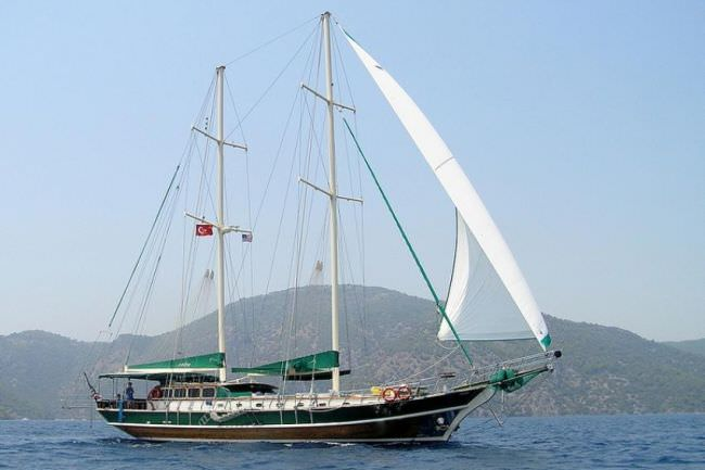 Yacht MICHELE