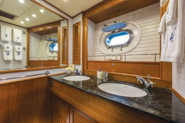 Yacht MANUTARA - 7