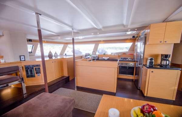 Yacht HIGH JINKS II - 12