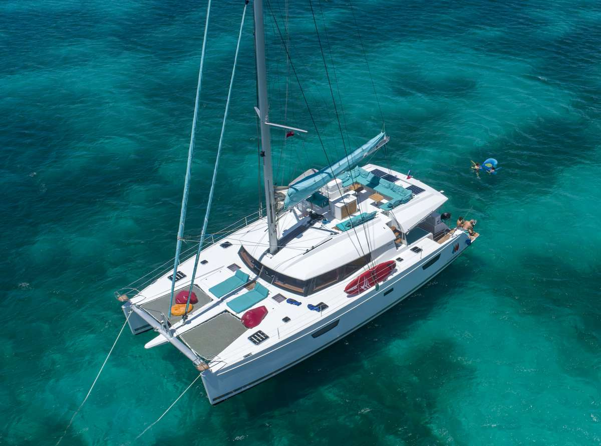 Charter with DREAMSONG on compassyachtcharters.com