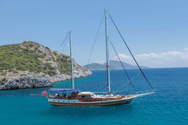 Yacht DULCINEA