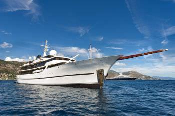 Yacht CHAKRA - 19