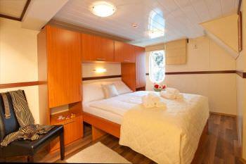 Yacht LUPUS MARE 2