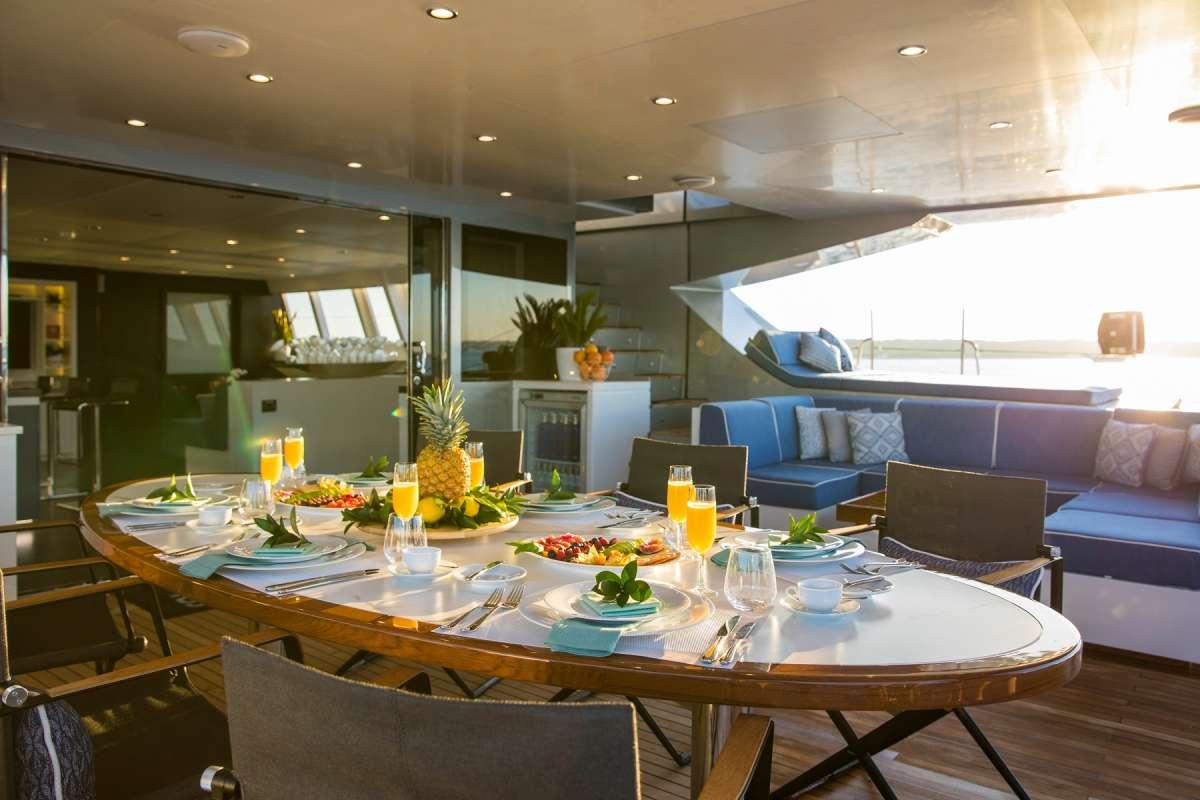 Yacht CARTOUCHE - 12