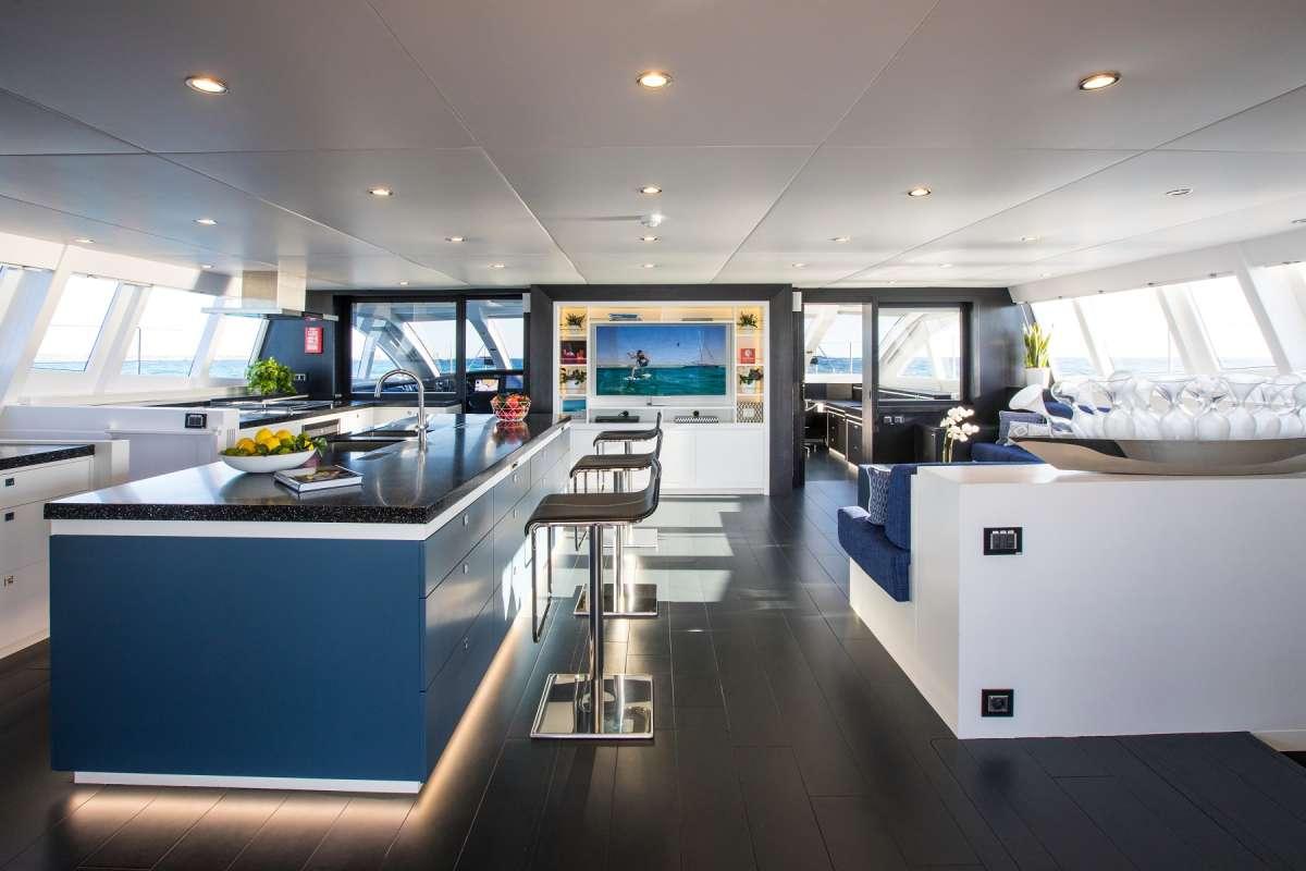 Yacht CARTOUCHE 2