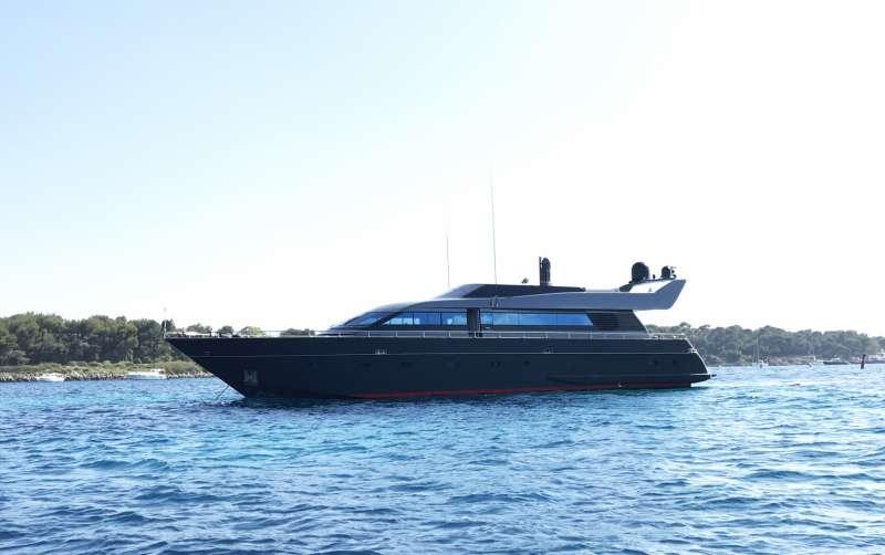 Yacht AZIMUT FLY