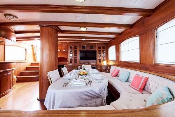 Yacht QUEEN OF KARIA 3