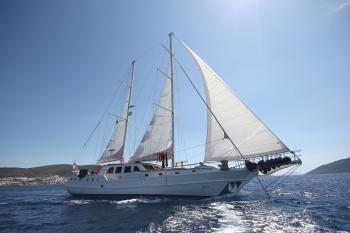 Yacht MIA 3