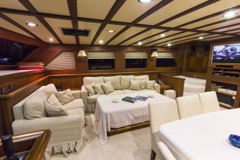 Yacht MIA - 6