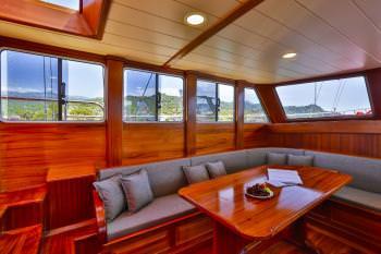 Yacht VICTORIA 2