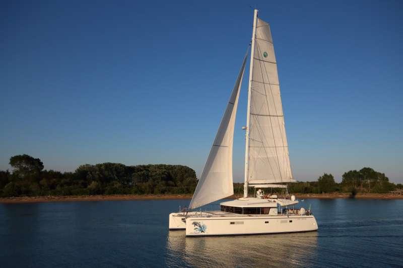 Yacht DENILOS