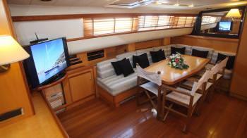 Yacht CENTURION 2