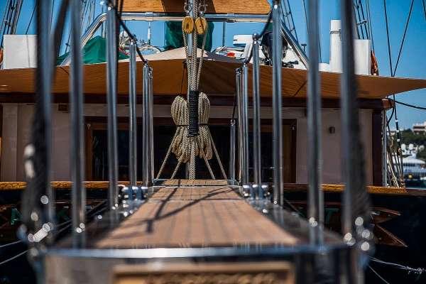 Yacht ARKTOS - 13