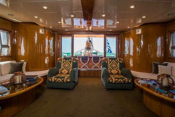 Yacht ARKTOS 3