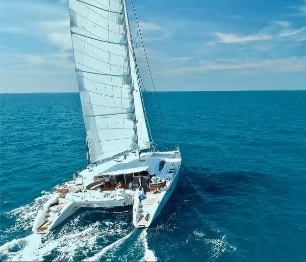 Yacht LAYSAN - 12