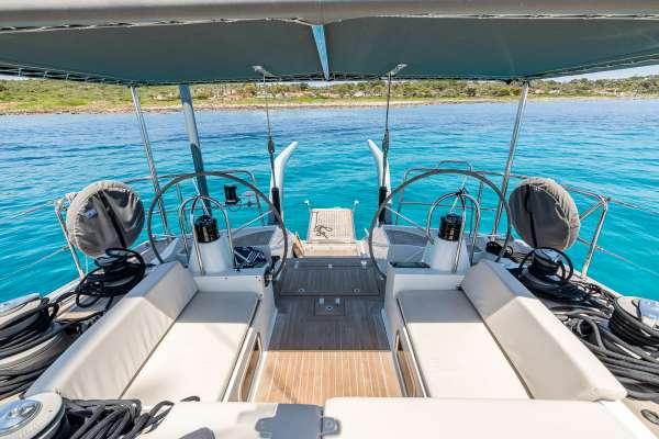 Yacht LH2 - 10