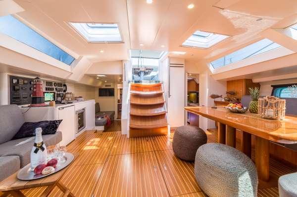 Yacht LH2 2