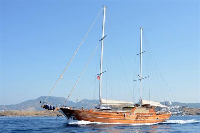 Yacht ARTEMIS-SIMAY