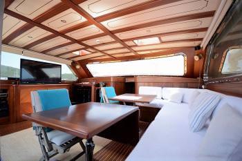 Yacht ARTEMIS-SIMAY 2