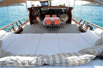 Yacht ARTEMIS-SIMAY 3