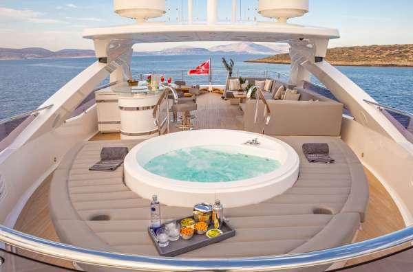 Yacht AQUA LIBRA 131 - 16
