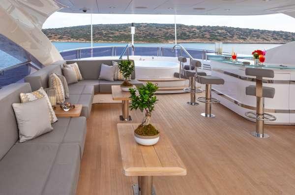 Yacht AQUA LIBRA 131 - 17