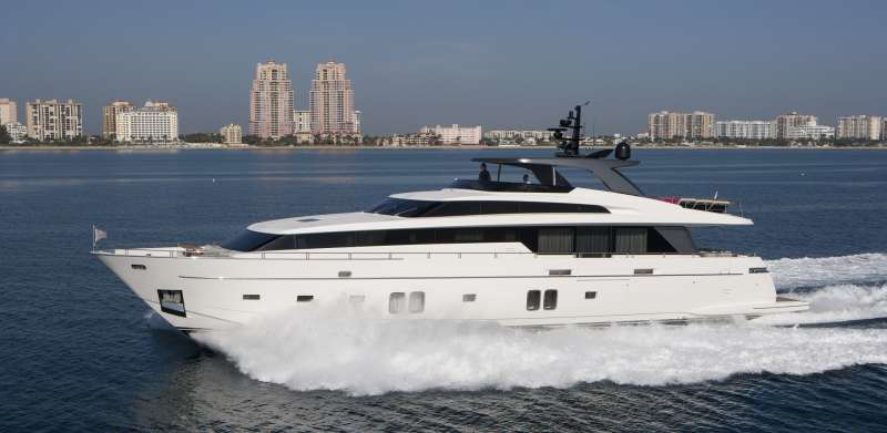 Yacht FREDDY