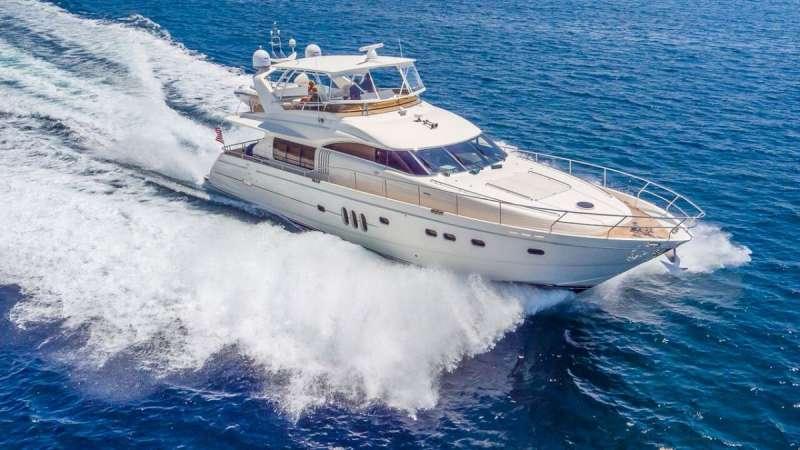Yacht HOYA SAXA
