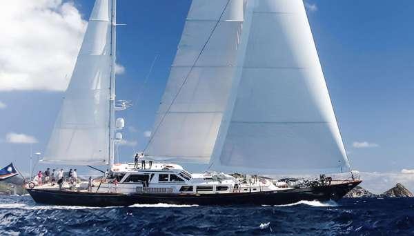 Yacht AXIA - 11