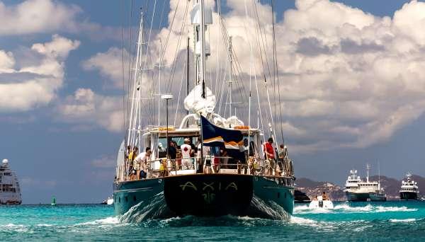 Yacht AXIA - 12