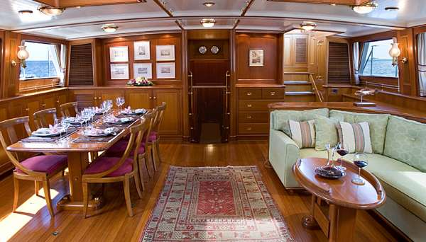 Yacht AXIA 2