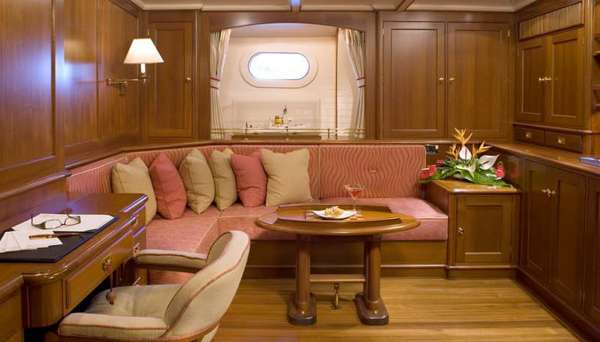 Yacht AXIA 3
