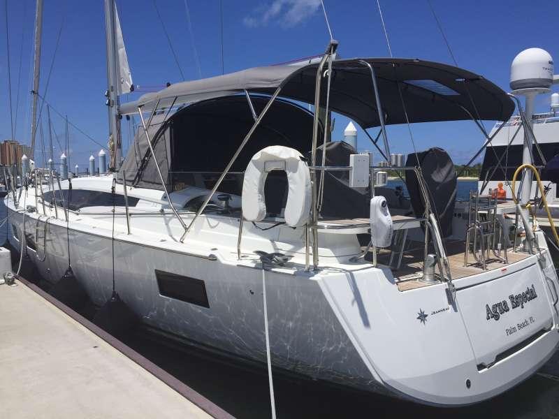 Yacht Agua Especial