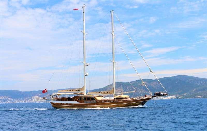Yacht SEMA TUANA